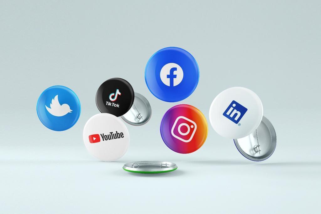 Social_Media_Plattformen_Im Rampenlicht